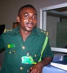 Douane ambtenaar voor visum aanvraag Ghana