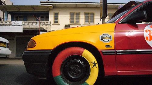 Versierde Ghana taxi